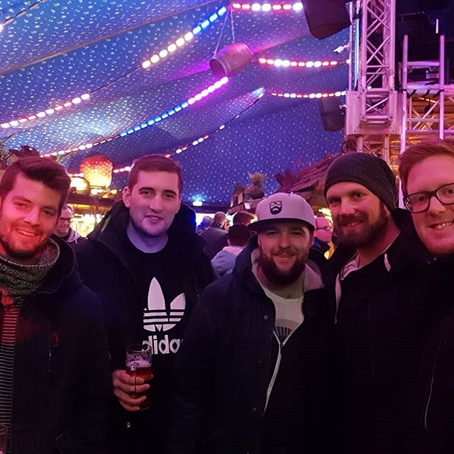 Moin ihr Ganoven! Heute ist euer Lei(s)tungsteam auf Tagung in Bremen! Das Lager bedeutet 365 Tage puren Enthusiasmus. Wir versuchen dies bestmöglichst  umzusetzen und sind heute für das #zlw2019 unterwegs, indem wir unter anderem einige Achterbahnen für das nächste Lager unter die Lupe nehmen! #wietmarschen #grafschaftbentheim #niedersachsen #deutschland #europa #erde #Zeltlager #külz
